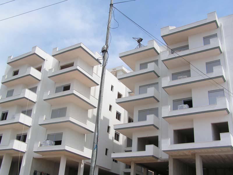 Per SHITJE Apartamente ne Sarande, me pamje nga deti (SRS-1011)