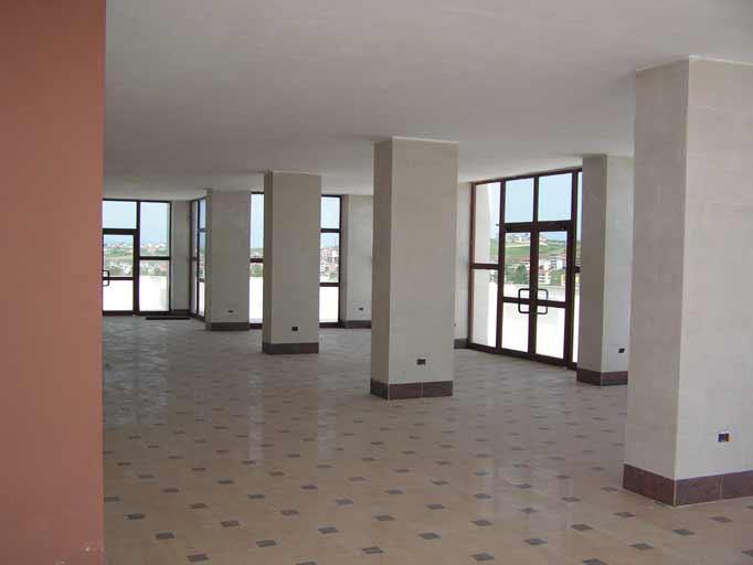 Per SHITJE, ambjent 1,600 m2 ne katin e fundit (10te) ne Plazhin e Durresit prane Adriatik 1 (DRS-1007)