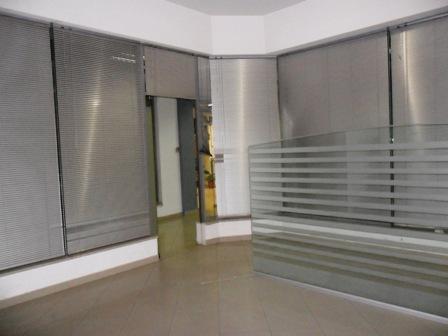 Zyre per shitje tek kompleksi Karl Topia, Zogu i Zi Tirane, (TRS-101-76)