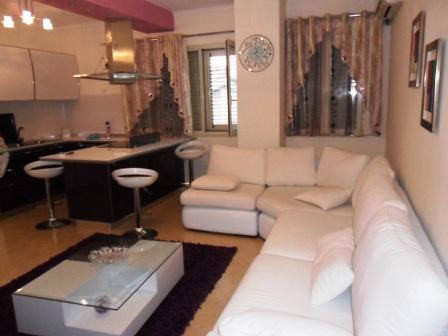 Apartament per shitje ne rrugen Qemal Stafa, afer restorant Fresku ne Tirane, (TRS-101-78)