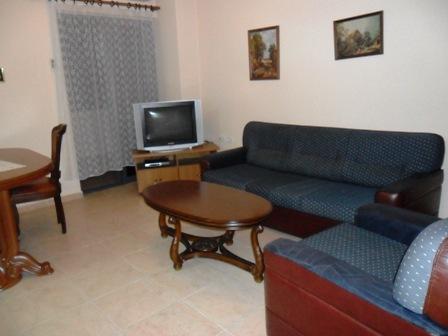 Apartament me qera prane shkolles 'Emin Duraku', rruga Pjeter Bogdani, Tirane (TRR-101-81)