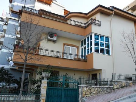 Vile per shitje afer residences 'Kodra e Diellit, ne Tirane ,(TRS-101-83)
