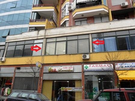 Zyre per shitje ne rrugen Federik Shiroka ne Tirane, (TRS-101-104)