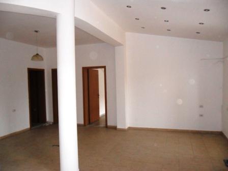 Apartament me qera ne rrugen Pjeter Bogdani, ne zonen e Bllokut, Tirane ,(TRR-212-5)