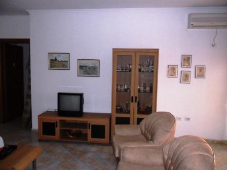 Apartament 2+1 me qera ne rrugen Myslym Shyri ne Tirane, (TRR-212-7)