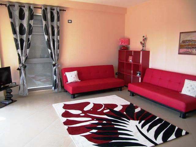 Apartament 2+1 me qera afer Rajonit Nr.4 ne Tirane , (TRR-412-13)
