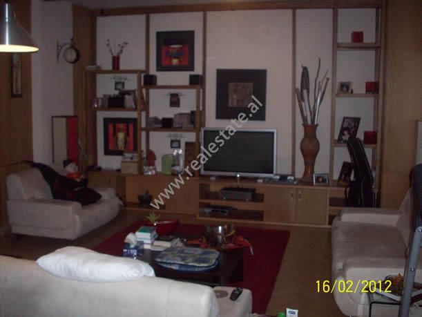 Apartment 3+1 for rent in Pjeter Bogdani Street in Tirana , (TRR-612-14)