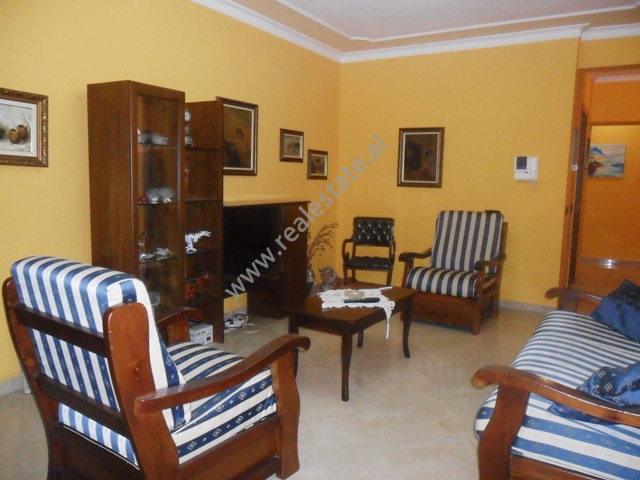 Apartment 1+1 for rent in Faik Konica Street in Tirana ,  (TRR-912-4)