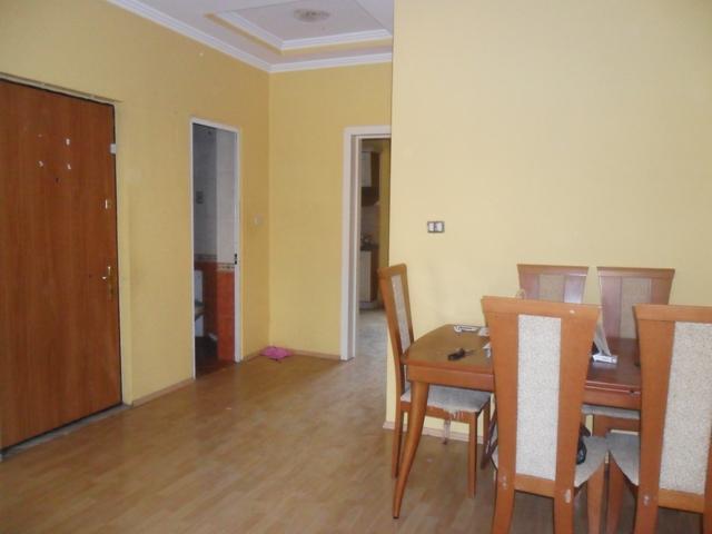 Apartament ne shitje ne zonen e Bllokut, rruga Vaso Pasha ne Tirane, (TRS-912-12)