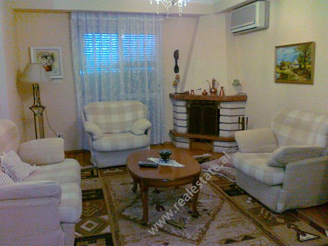 Apartament me qera tek Blloku i Ambasadave ne Tirane (TRR-912-18)