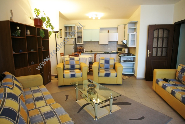 Apartament me qera tek Ambasada Amerikane ne Tirane, (TRR-1012-1)