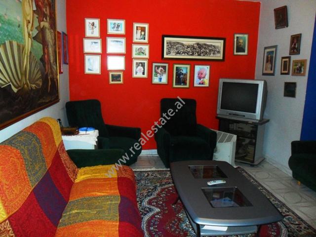 Apartament 3+1 me qera ne hyrje te Bllokut te Ambasadave ne Tirane, (TRR-1012-3)