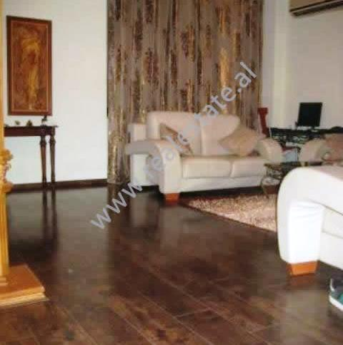 Apartament 2+1 per shitje ne Blv. Bajram Curri, afer Ministrise se Shendetesise ne Tirane , (TRS-1112-1)