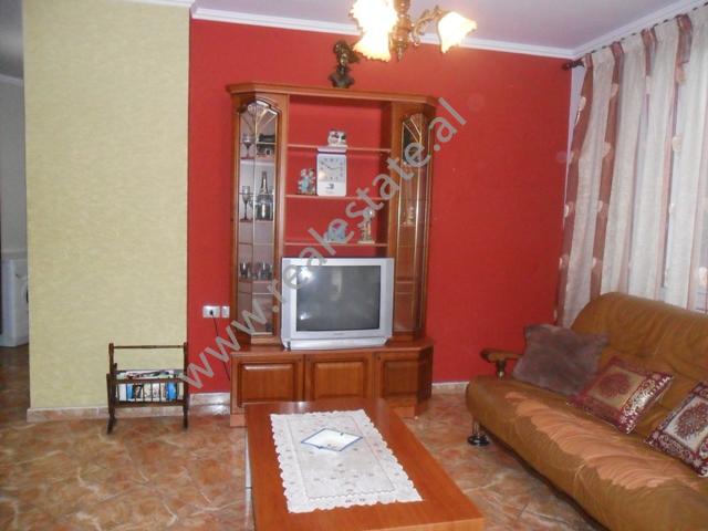 Apartament 1+1 me qera tek Hotel Dinasty ne Tirane, (TRR-1112-3)