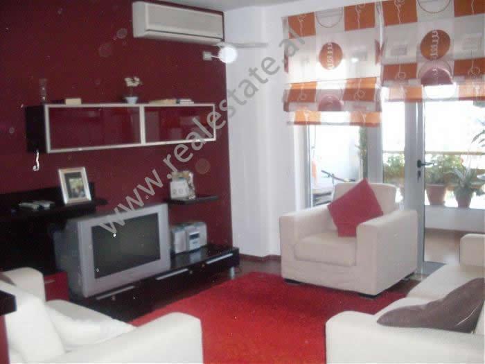 Apartament 2+1 me qera tek Hotel Diplomat II ne Tirane , (TRR-1112-4)