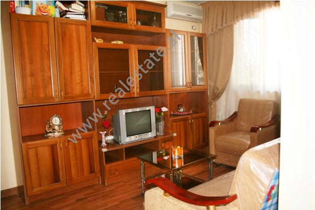Apartament 2+1 me qera tek 9-kateshet ne Tirane , (TRR-1112-5)