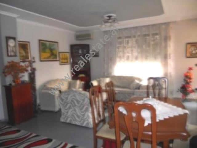 Apartment for rent in Pjeter Bogdani street in Tirana , ( TRR-1112_9)