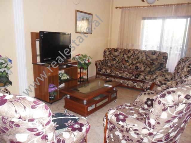 Apartament me qera tek residenca Amerikane ne Tirane, (TRR-1112-26)