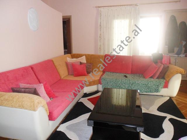 Apartament 3+1 me qera ne rrugen Haki Shehi, afer ambasades Turke ne Tirane, (TRR-1112-27)