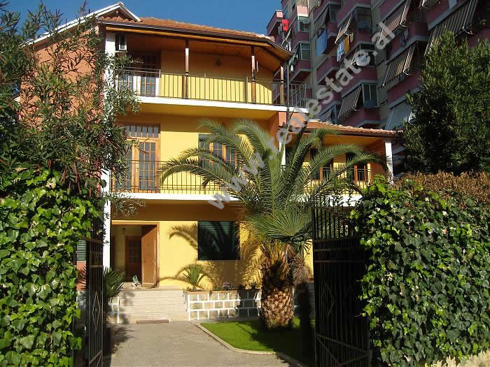 Vile me qera ne rrugen Don Bosko ne Tirane , (TRR-1212-1)