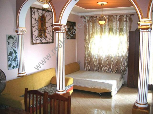 Garsoniere per shitje ne Golem , prane hotel Grand, (GLS-113-1)