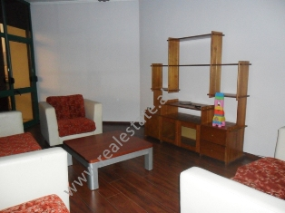 Apartament duplex me qera 2+1 ne rrugen e Kavajes ne Tirane (TRR-113-18)