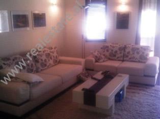 Apartament per shitje afer Hipotekes ne Tirane, (TRS-413-31)