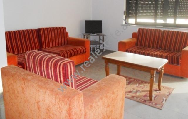Apartament me qera ne Bulevardin Zogu I ne Tirane , (TRR-1212-3)