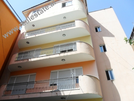 Vile 5-kateshe me qera ne rrugen Hajdar Hidi ne Tirane (TRR-713-57)