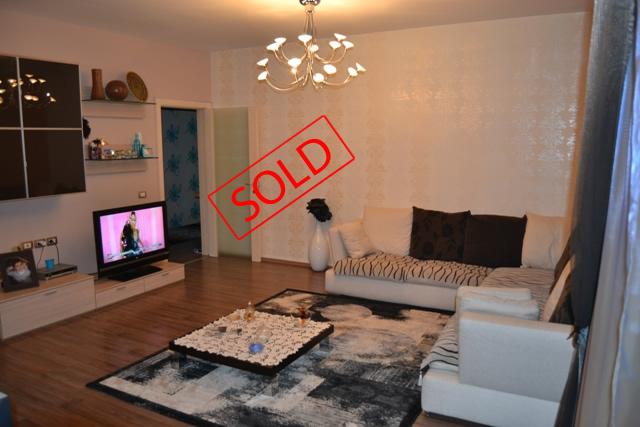 Apartament luksoz ne shitje ne Qender te Tiranes (TRS-513-23)