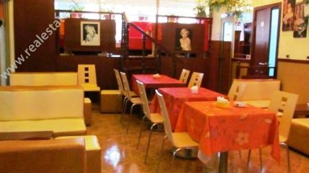 Bar Kafe ne shitje ne Qender te Tiranes (TRS-214-29j)