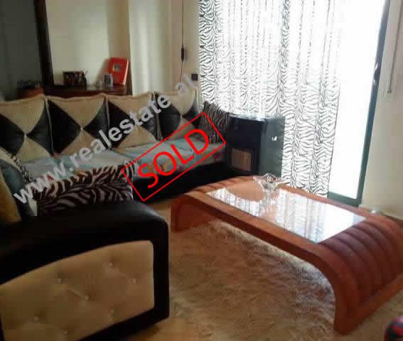 Apartament 1+1 per shitje prane Restorant Freskia ne Tirane , (TRS-314-37b)