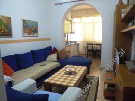 Apartament ne shitje te Pallatet Agimi ne Tirane (TRS-1014-40j)