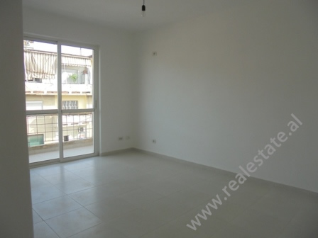 Apartament 2+1 ne shitje ne Qender te Tiranes (TRS-1114-31j)