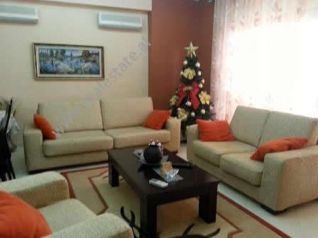 Apartament 2 + 1 per shitje ne kompleksin perballe qendres Globe ne Tirane (TRS-1214-13b)