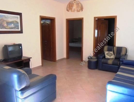 Apartament 3+1 per shitje ne rrugen Vllazen Huta ne Tirane (TRS-115-28r)