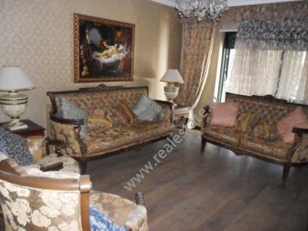 Apartament 2 + 1 per shitje prane rruges Ibrahim Rugova ne Tirane (TRS-215-28b)