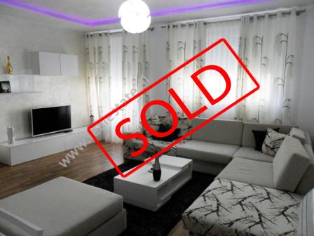 Apartament 2 + 1 per shitje ne Rezidencen Kodra e Diellit ne Tirane (TRS-216-45b)