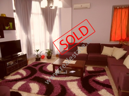 Apartament 1+1 per shitje ne rrugen e Kavajes prane Condor Center ne Tirane (TRS-216-33K)
