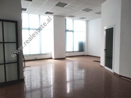 Office for rent close to Deshmoret e Kombit Boulevard in Tirana, Albania (TRR-217-25L)