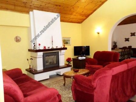 Apartament 2+1 me qera ne rrugen e Elbasanit ne Tirane (TRR-118-2L)