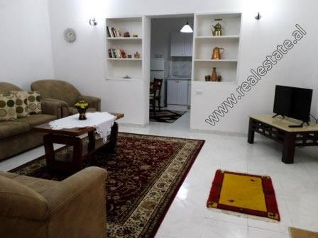 Apartament 2+1 me qera prane rruges se Elbasanit ne Tirane (TRR-118-3L)