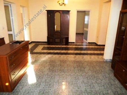 Apartament 3+1 per shitje prane Qendres Globe ne Tirane (TRS-118-4R)