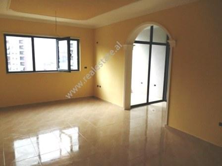Apartament 2+1 me qera ne rrugen Teodor Keko ne Tirane (TRR-118-10R)