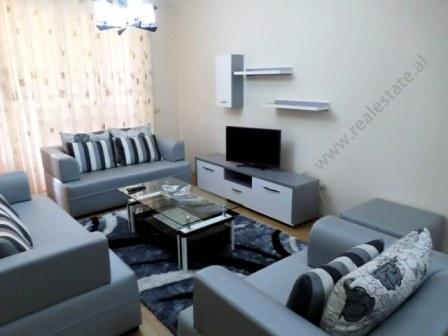 Apartament 2+1 me qera prane rruges Myslym Shyri ne Tirane (TRR-118-11R)