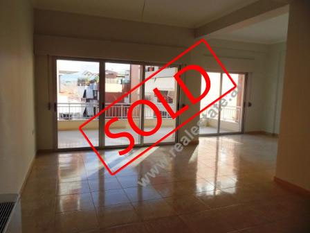 Apartament 2+1 per shitje tek Liqeni Artificial ne Tirane , (TRS-1112-30)