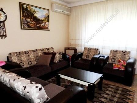 Apartament 2+1 per shitje prane zones se Bllokut ne Tirane, (TRS-218-47d)