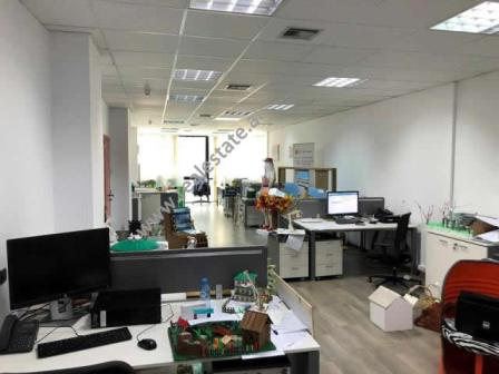 Office space for rent close to the center of Tirana, (TRR-418-29d)