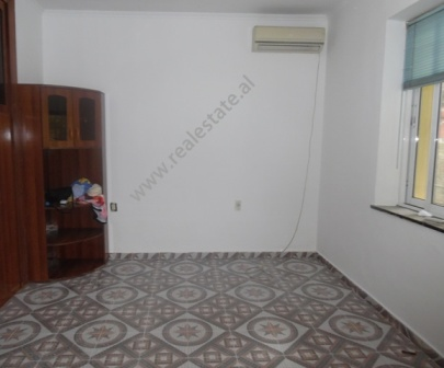 Office apartment for rent in Lidhja e Prizrenit street in Tirana, Albania (TRR-418-40d)