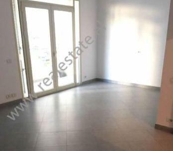 Apartament 2+1 ne shitje ne rrugen Lagjia Lule ne Durres (DRS-718-1E)